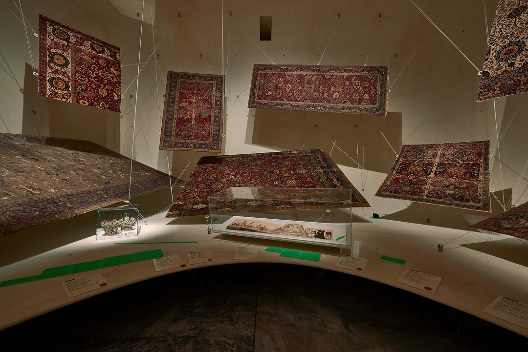 "<BODY><div>MAK Exhibition View, 2020</div><div>BOLD AND FREE! The Invasion of Hidden Objects</div><div>MAK Permanent Collection Carpets</div><div>Intervention: fabulous</div><div>from left to right: Ciborium Crowns, Hall in Tyrol, 1657; Heinrich Wirrich, ""True Description</div><div>of the Most Christian, Most Commendable, and Most Royal Settlement or Marriage"", 1571 </div><div>© MAK/Georg Mayer</div><div> </div></BODY>"