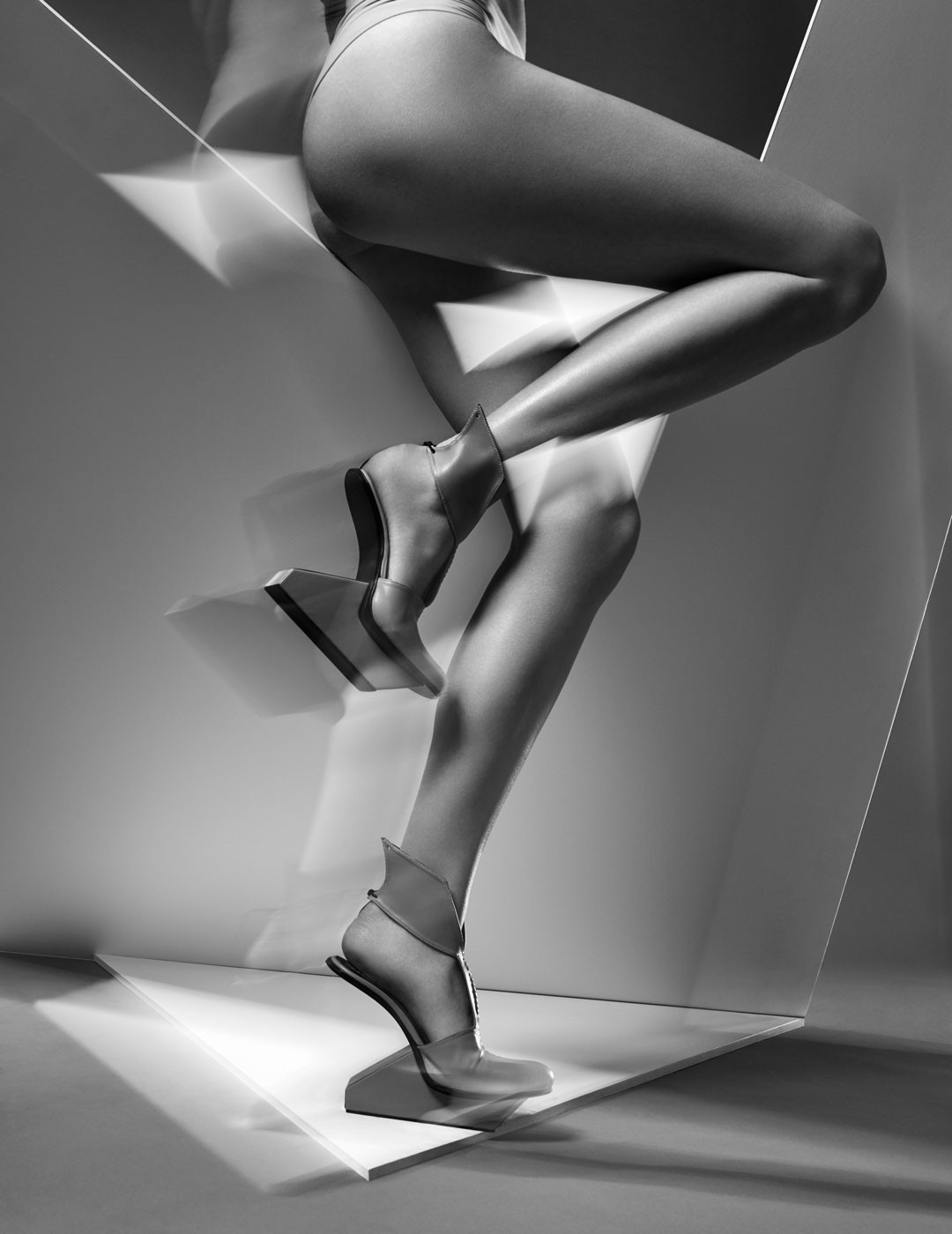 <BODY>Carolin Holzhuber, <em>SYNCHRONICITY_SYNC 6</em>, Synchronicity FW 19/20<br />© Warren Du Preez and Nick Thornton Jones</BODY>