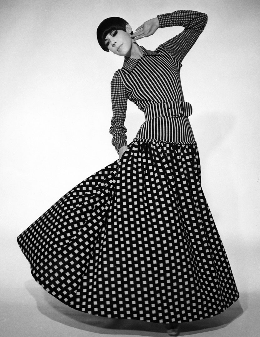 <BODY>Rudi Gernreich, Wollstrickkleid, Herbst 1971<br />Model: Peggy Moffitt<br />© Fotografie: William Claxton<br />Courtesy of Demont Photo Management</BODY>