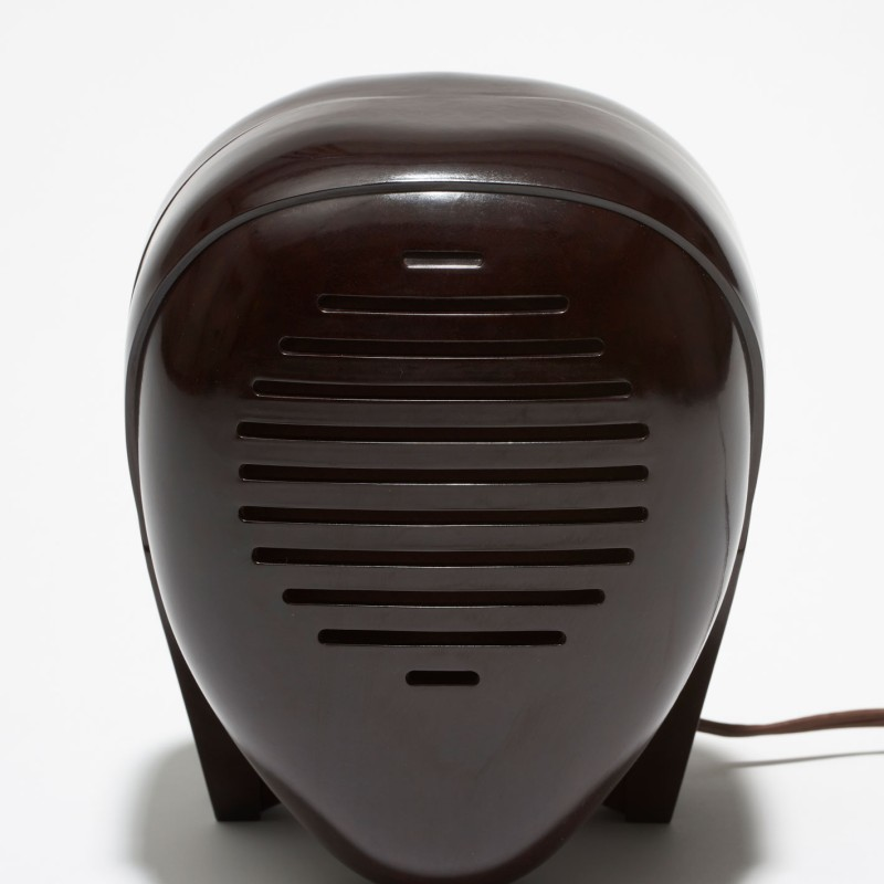 "BAKELITE: The Georg Kargl CollectionBaby monitor ""Zenith Radio Nurse,"" 1938, © The Isamu Noguchi Foundation and Garden Museum, New York / Artists Rights Society [ARS], Photo: © MAK/Georg Mayer"