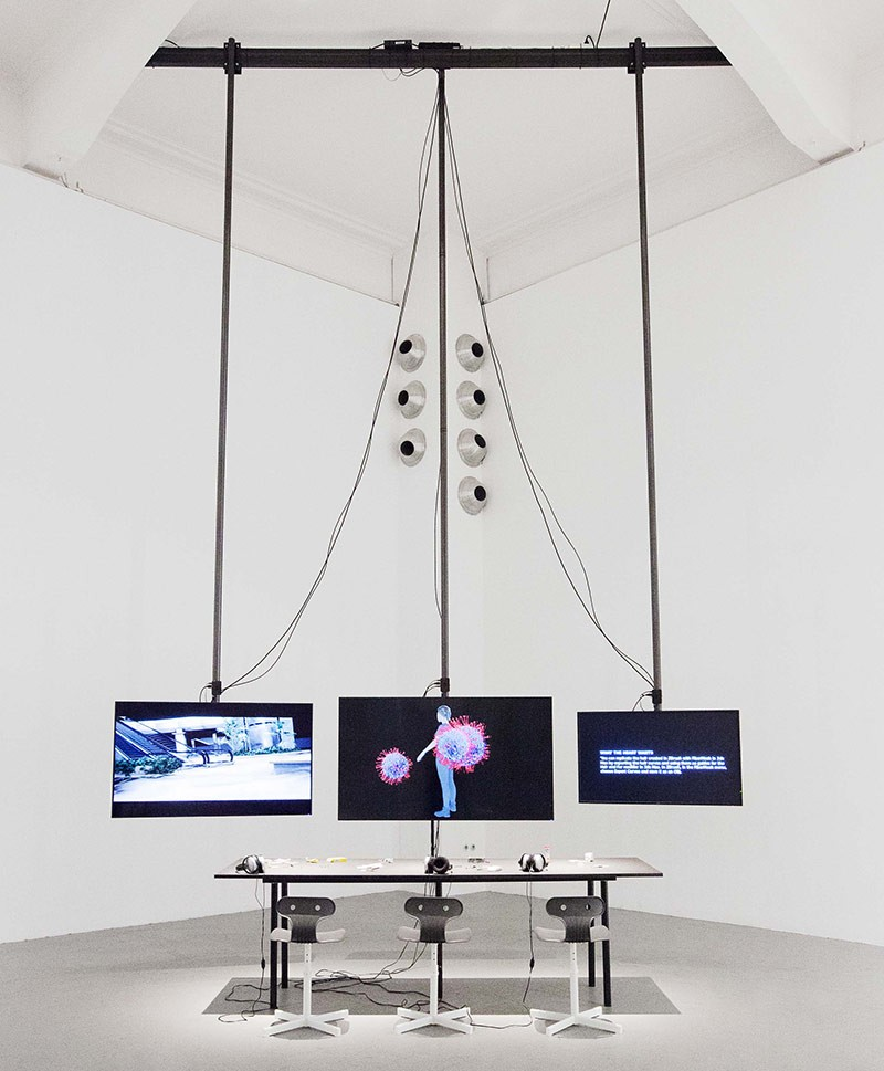 <BODY> Ausstellungsansicht, Cécile B. Evans, <em>Working on What the Heart Wants</em></BODY>
