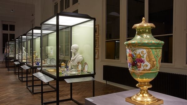 Exhibition view, 300 Years of the Vienna Porcelain Manufactory