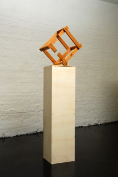 Georg Herold, WITHOUT TITLE (CUBE)