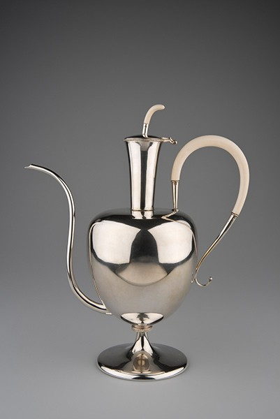 <BODY><div> </div><div>ERNST LICHTBLAU</div><div>Mocha Pot</div><div>Vienna, ca. 1924</div><div>Silver; ivory</div><div>Go 1785 / 1925, purchased from the artist</div></BODY>