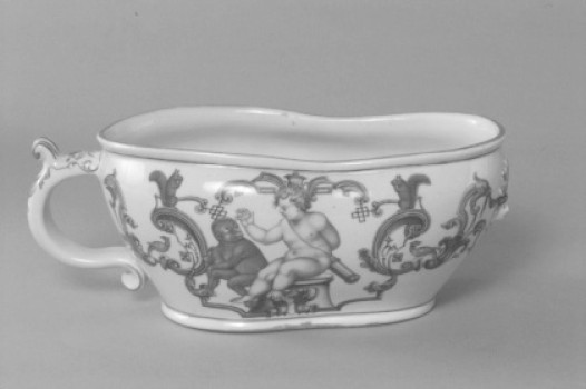 Chamber pot, leaf- and strapwork