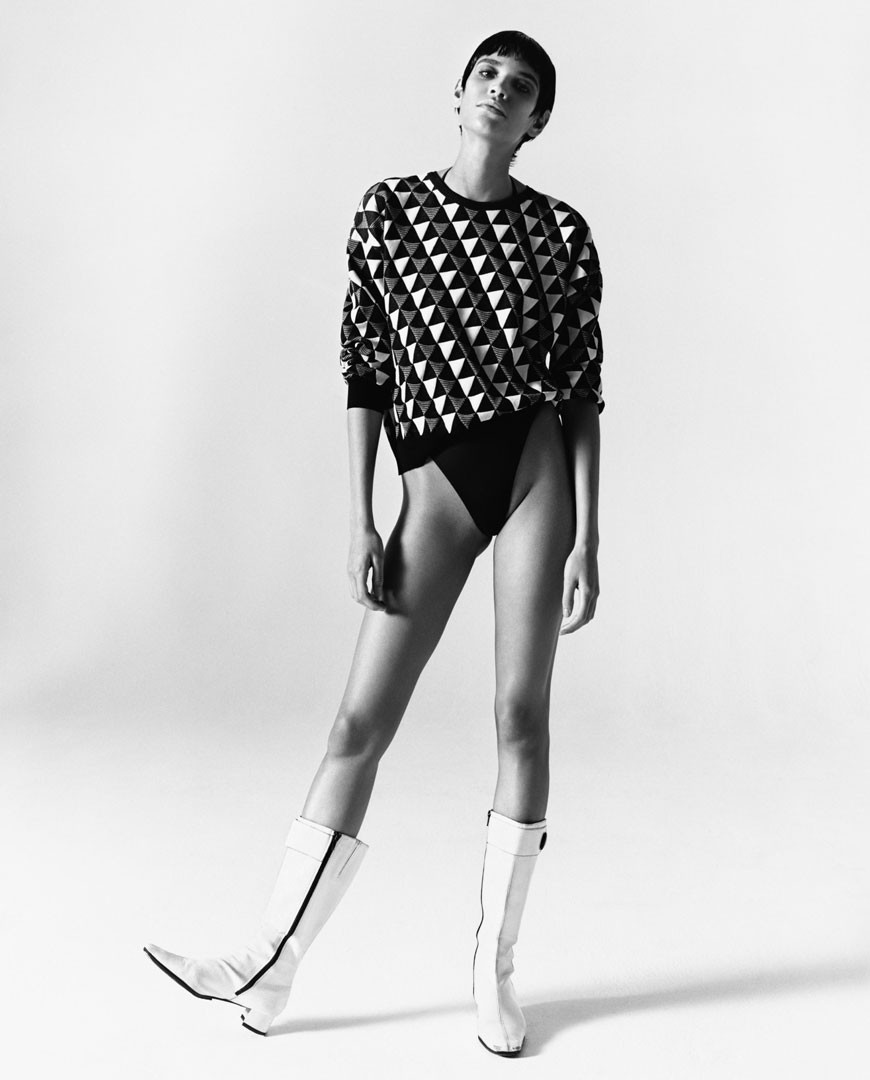 <BODY>Rudi Gernreich, The Original Thong, Triangle Jacquard Knit Top, 2019<br />Model: Kerolyn Soares<br />© Fotografie: Oliver Hadlee Pearch<br />Courtesy of Rudi Gernreich LLC, New York und Rudi Gernreich GmbH, Luzern</BODY>