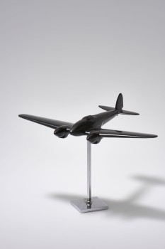 Miniature plane, after 1940Bakelite; 23.5 × 24.5 × 33 cmKargl Collection WH.00.00.16.595Photo: © MAK/Georg Mayer